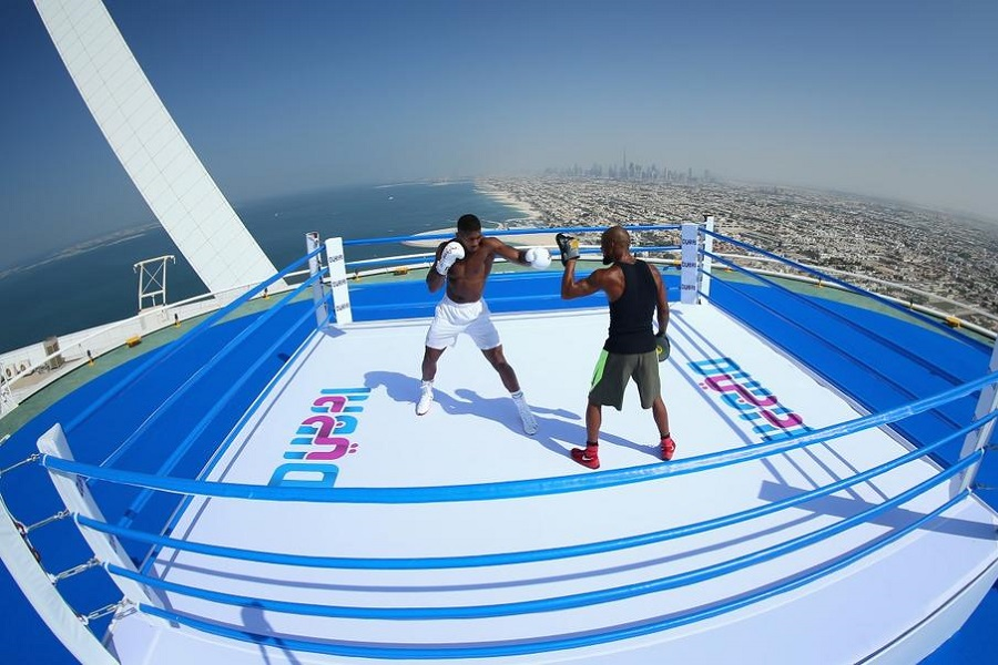 Dubai is proving a hit with British boxer Anthony Joshua (Video)
