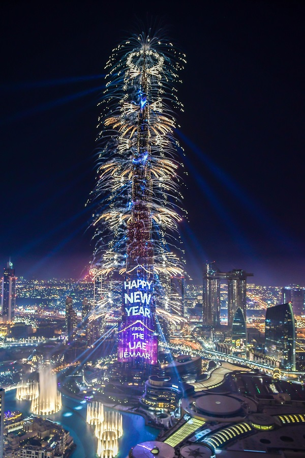 UAE mesmerises the world with Emaar's spectacular  New Year's Eve Gala 2019 in Downtown Dubai (Video)