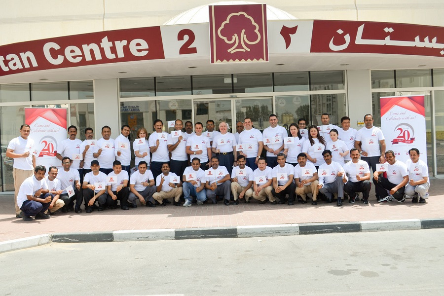 Al Bustan Residence celebrates top rating certificate from Travelocity