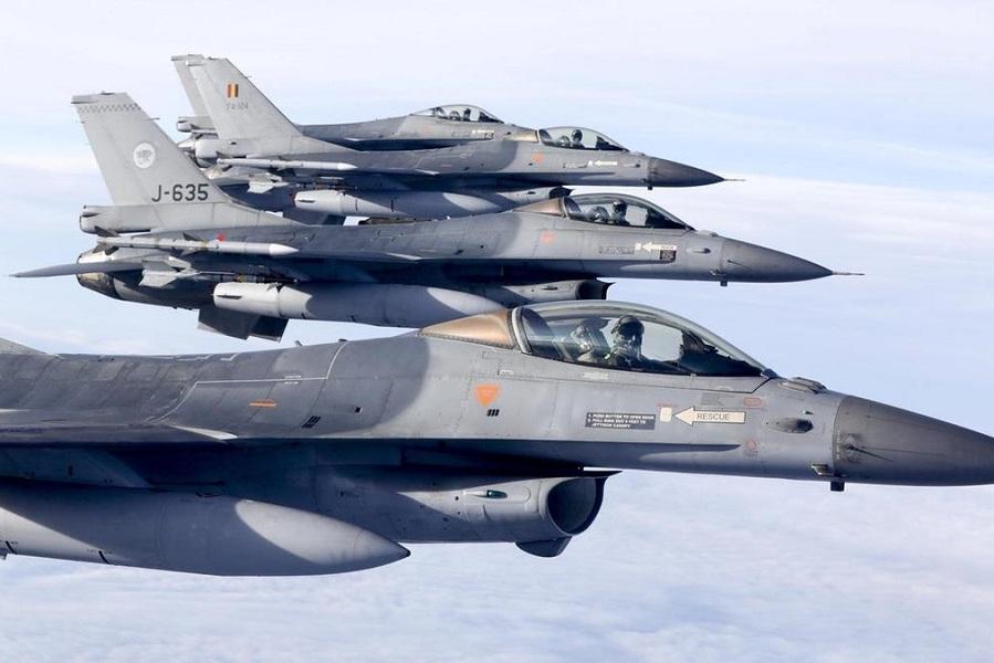 Истребители ВВС Нидерландов сопроводили самолет сагрессивным пассажиром
