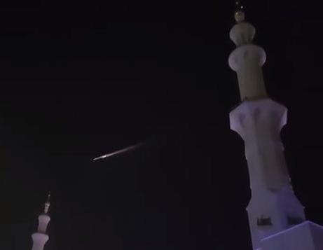 Внебе над Дубаем горел русский  космический корабль,