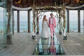 Свадебная часовня над океаном в Jumeirah Vittaveli на Мальдивах