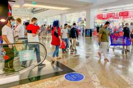 Dubai eases up on restrictions, kids and elderly can visit shopping malls