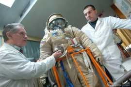 Для первого космонавта из ОАЭ изготовили кресло