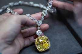 The legendary Tiffany diamond stars in 20th Century Studios' Death On The Nile