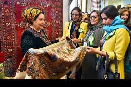 Праздник туркменского ковра отмечен с участием зарубежных ценителей древнего искусства